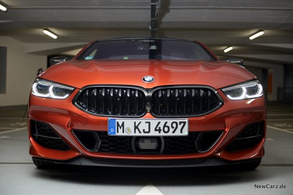 BMW M850i xDrive Front