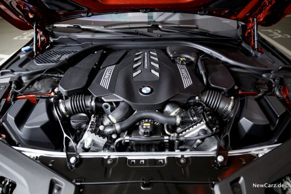 BMW 4,4-Liter V8