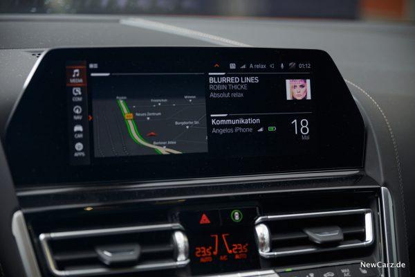10,25 Zoll Display BMW