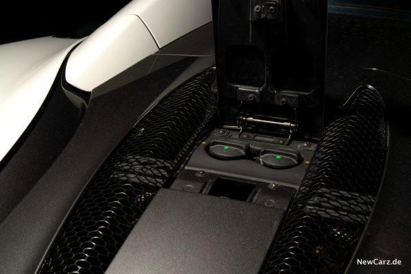 McLaren 570S Spider Service-Klappe