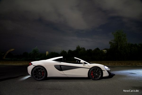 McLaren 570S Spider offen