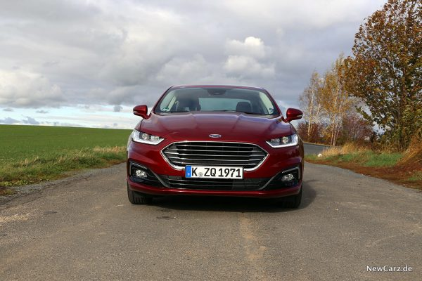 Ford Mondeo Hybrid Front
