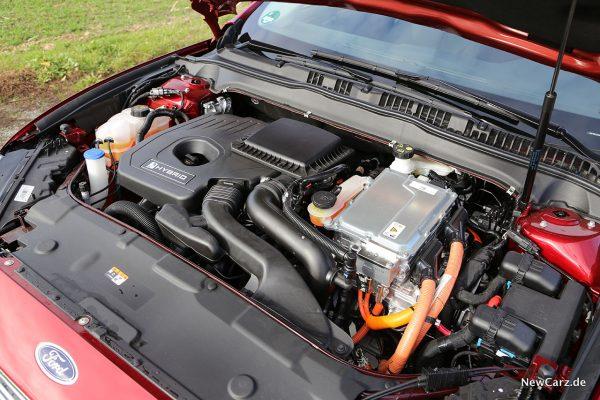 Motorraum Mondeo Hybrid
