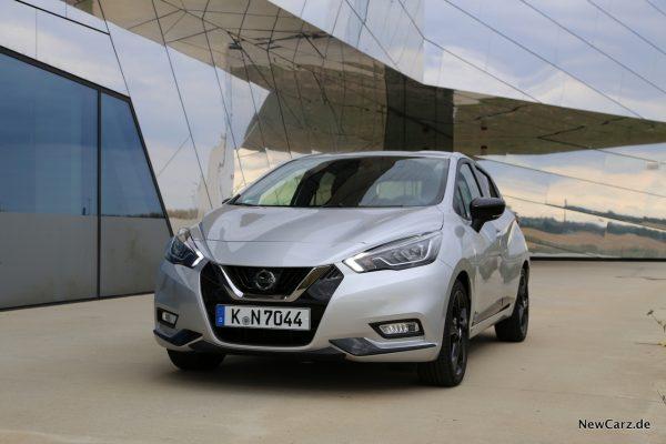 Nissan Micra Tekna schräg vorne