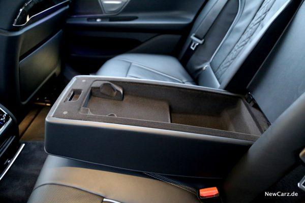 BMW 7er Mittelarmlehne hinten offen