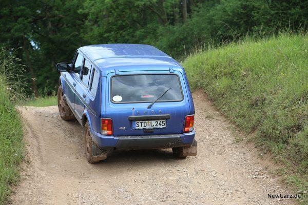 Lada 4x4 Urban 5-Türer im Gelände