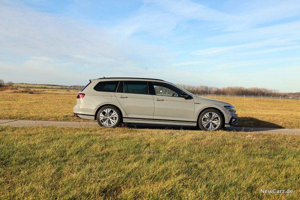 VW Passat Variant Facelift Seitenansicht