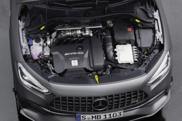 AMG Vierzylinder Motor