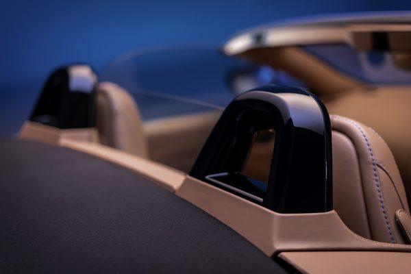 Aston Martin Vantage Roadster Überrollschutz