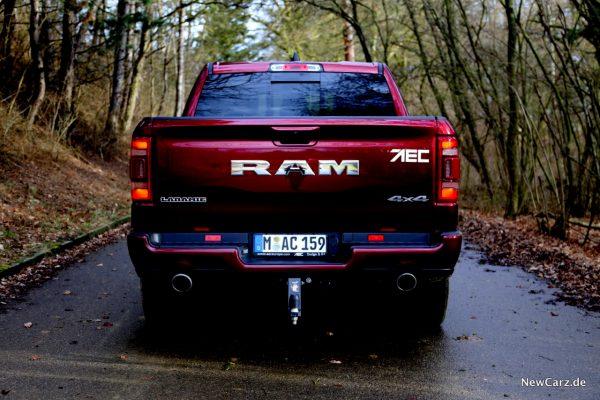 RAM 1500 Sport Heck