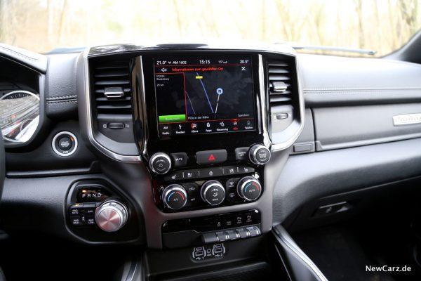 RAM 1500 Sport Infotainment