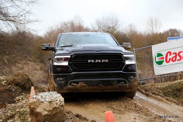 RAM 1500 Sport offroad