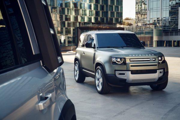 Land Rover Defender 90 urban