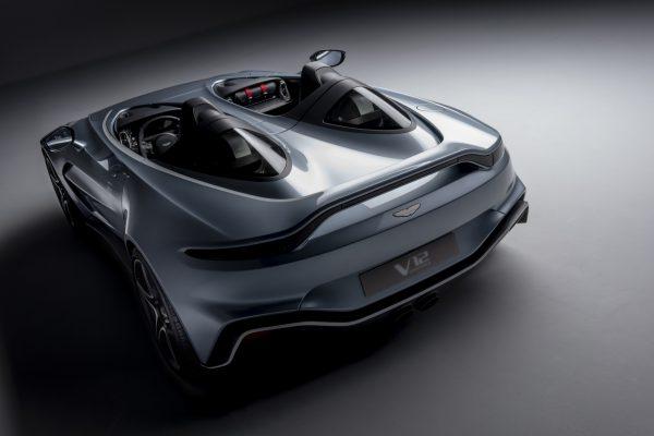 Aston Martin V12 Speedster hinten