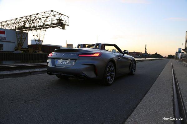 BMW Sonnenuntergang Hafen