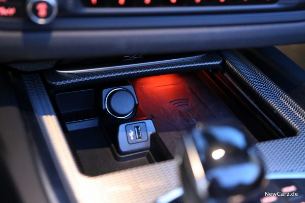 BMW Z4 induktive Ladestation