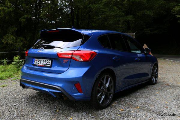 Ford Focus ST 2019 blau