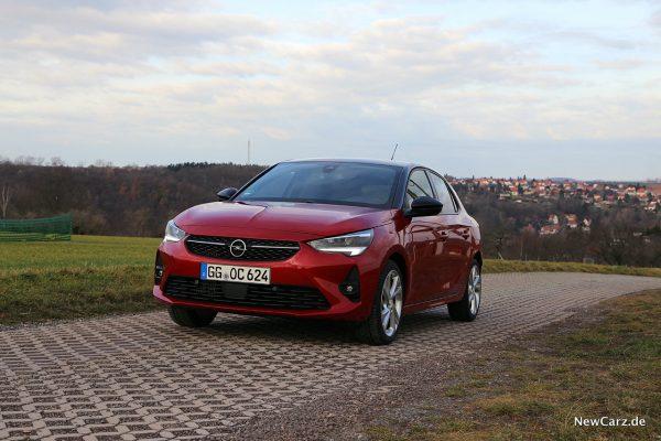 Opel Corsa GS Line schräg vorne links