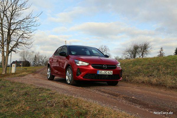 Opel Corsa GS Line schräg vorne rechts