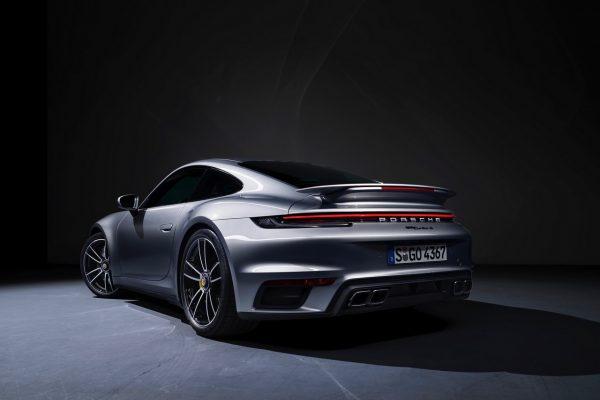 Porsche 911 Turbo S schräg hinten
