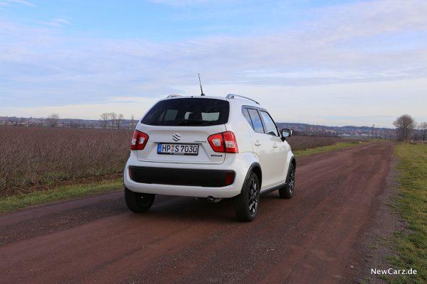 Suzuki Ignis Hybrid schräg hinten rechts