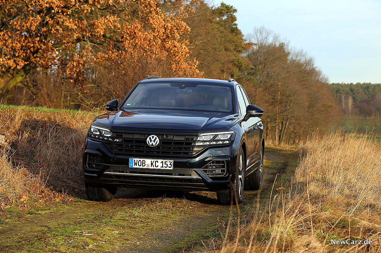 2020 Volkswagen Touareg Pictures