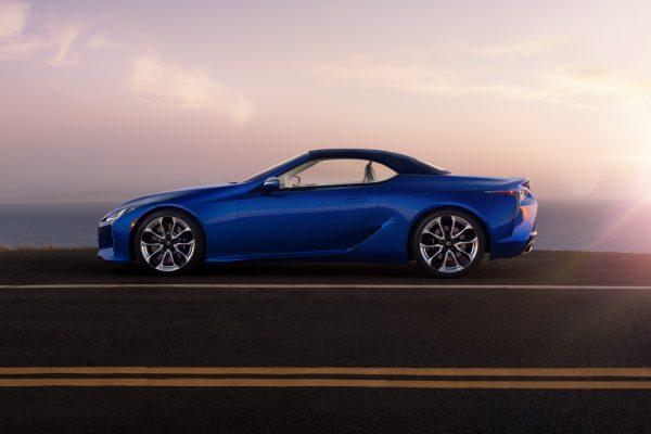 Lexus LC Cabrio Seite