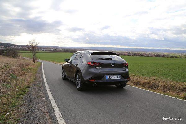 Mazda3 schräg hinten links
