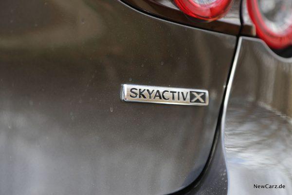 Skyactiv-X Plakette