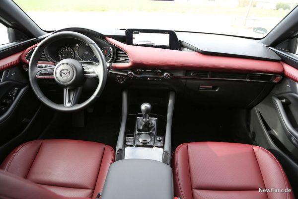 Armaturenbereich Mazda3