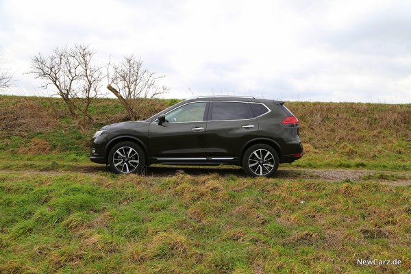 Nissan X-Trail AWD Seite