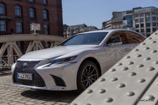 Lexus LS 500 Front