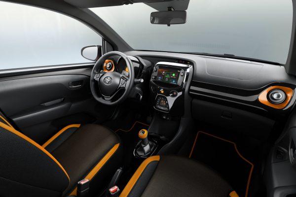 Toyota Aygo x-JBL Interieur