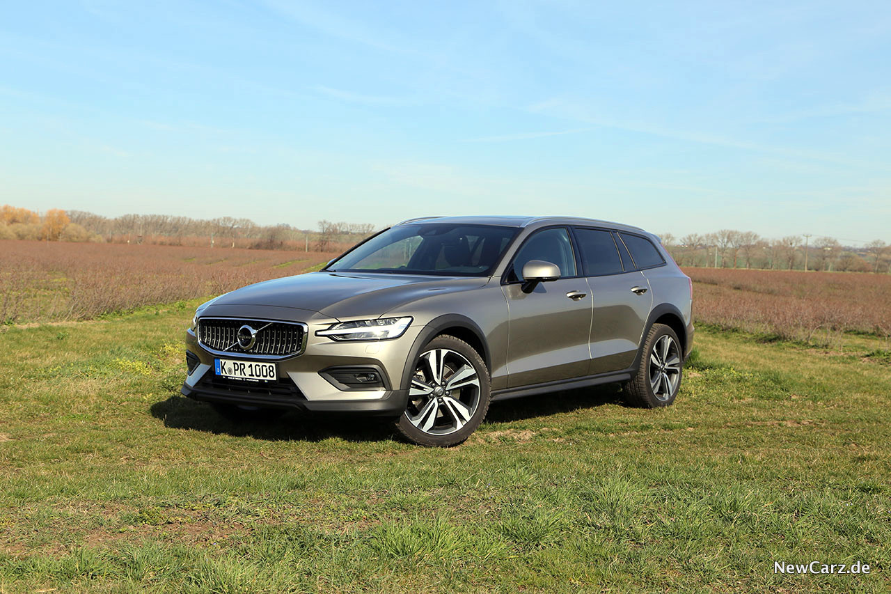 2020 Volvo V60 Cross Country Release