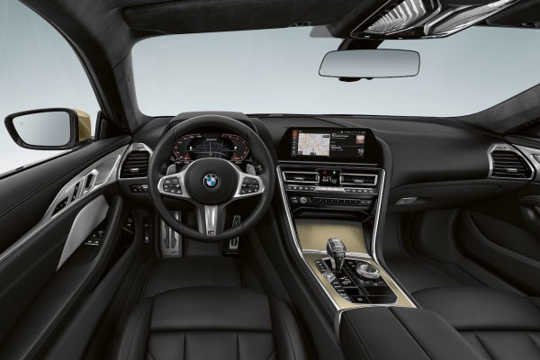 BMW 8er Golden Thunder Interieur