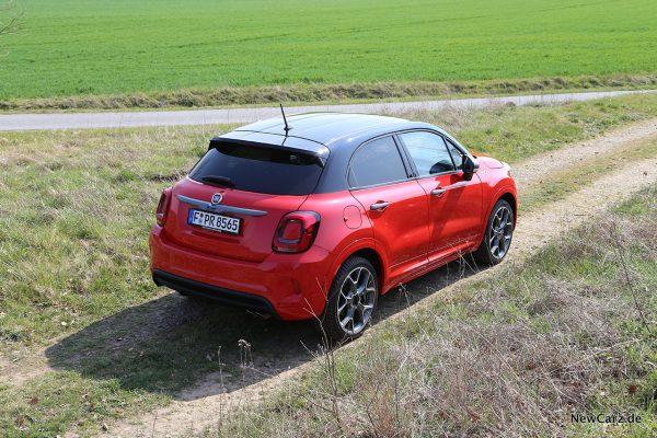 Fiat 500X Sport schräg oben hinten