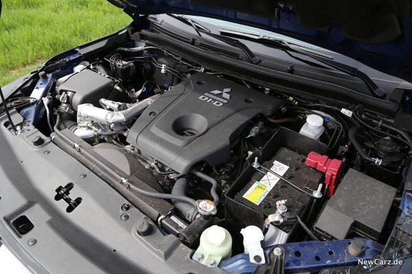 Motor Mitsubishi L200 Facelift