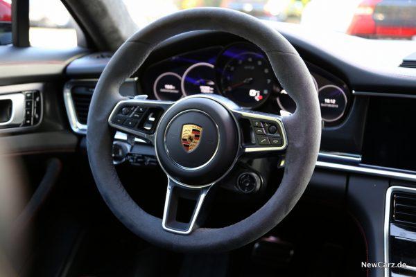 Porsche Panamera GTS Lenkrad