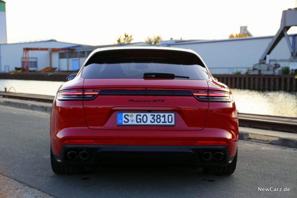 Porsche Panamera GTS Sport Turismo close
