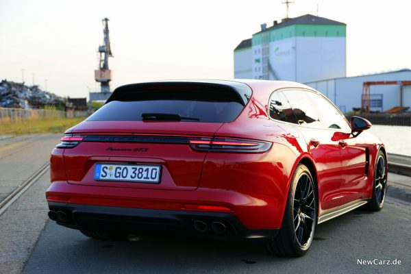 Porsche Panamera GTS Sport Turismo Sonnenuntergang