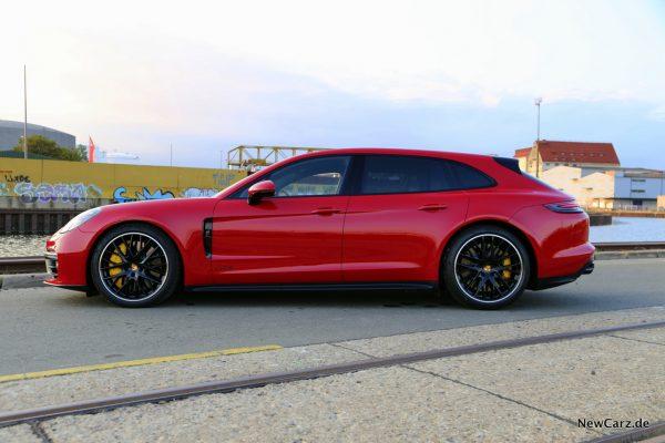Porsche Panamera GTS Sport Turismo Seite