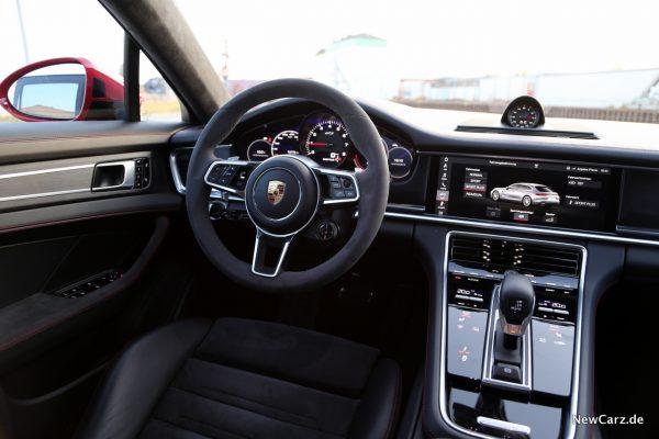 Porsche Panamera GTS Sport Turismo Innenraum