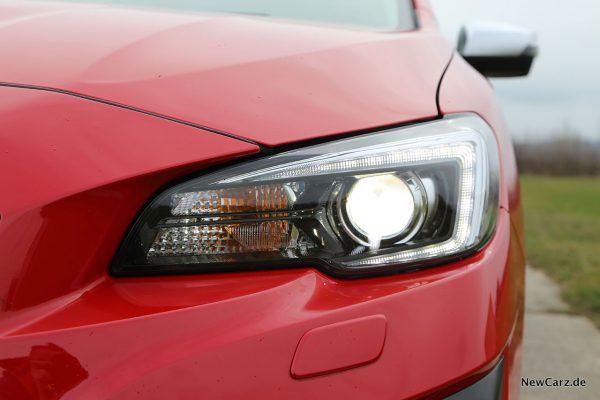 LED-Scheinwerfer Subaru