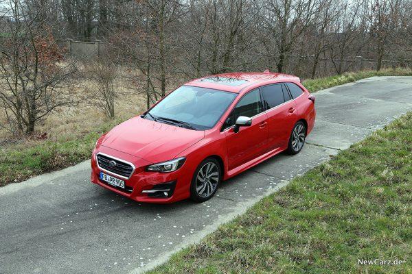 Subaru Levorg schräg oben vorn links