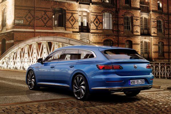 VW Arteon Shooting Brake schräg hinten