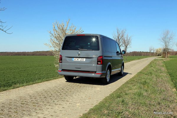 VW T6.1 Multivan schräg hinten rechts