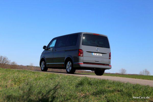 VW T6.1 schräg hinten links