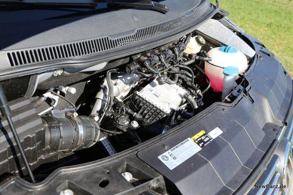 VW Bus Motorraum TDI