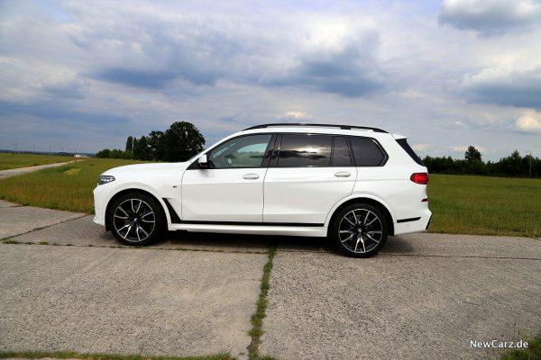 BMW X7 Seite