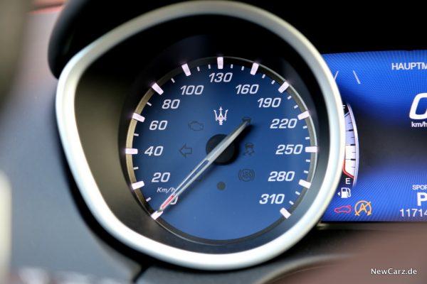 Maserati Ghibli S Q4 Tacho